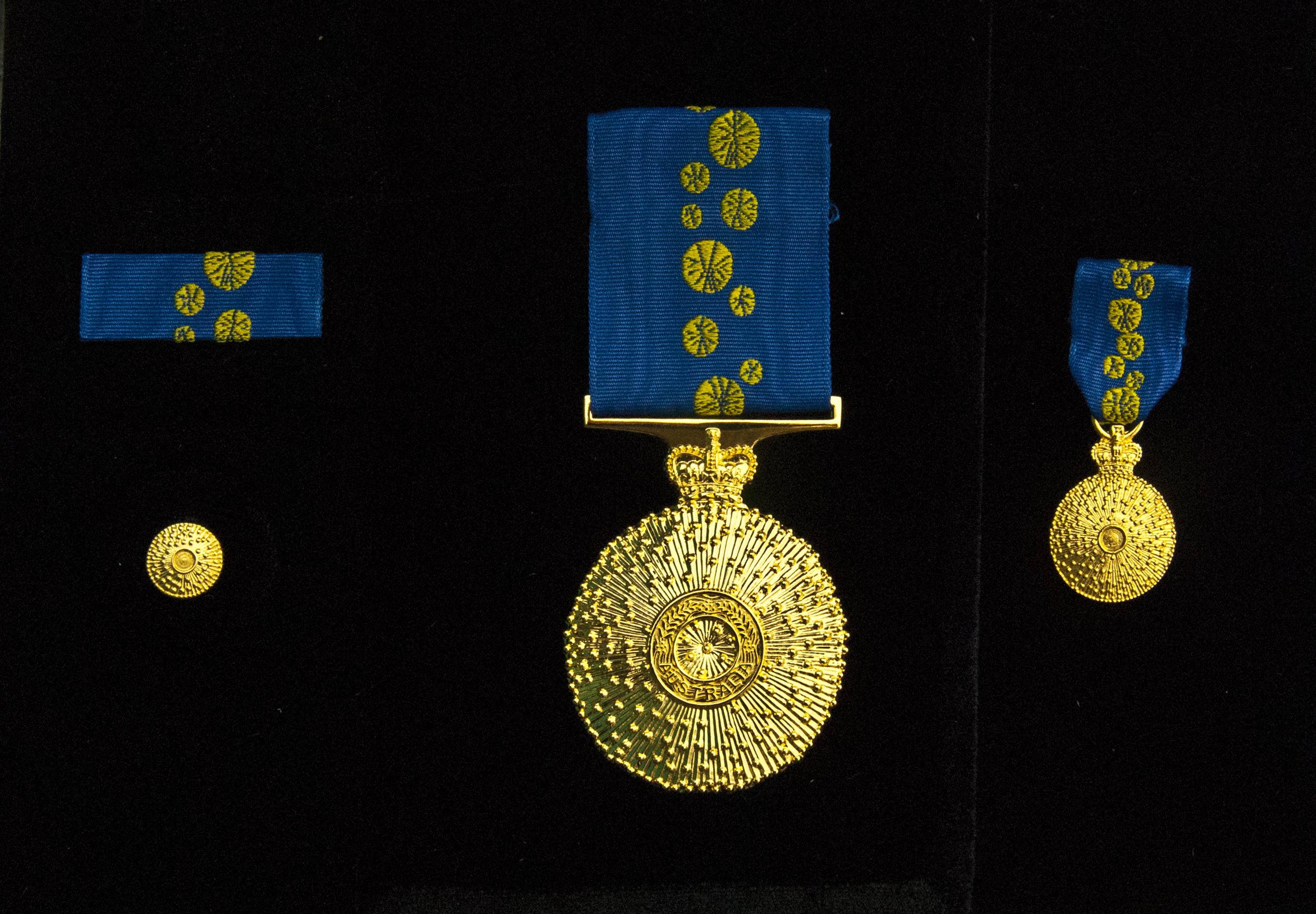 Order of Australia Medal Awarded to Dr. Rolf Peters